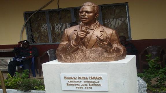 Djembé d'Or 2013 : Un buste sculpté en hommage à Demba Camara
