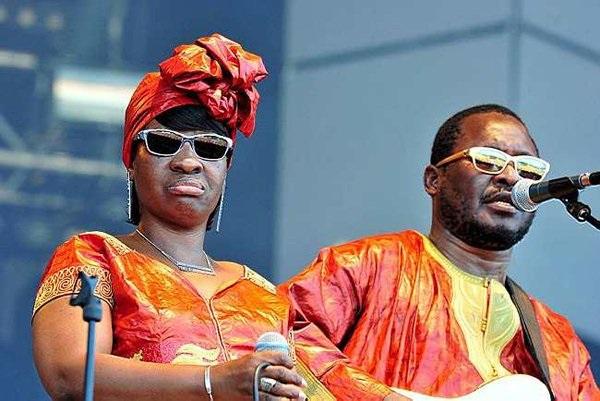 De la Musique à l'Humanitaire : Amadou et Mariam lancent l'Association « OMAHC »