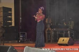 Manamba Kanté sur la scène d'Africa Stop Ebola