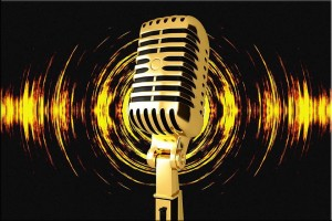 Culture sans tabou : Du journalisme participatif au service de la culture guinéenne C'est certainement l'autre définition du journalisme culturel guinéen à l'heure du numérique. Loin des médias traditionnels, le débat se transporte désormais sur les réseaux sociaux. A l'initiative de journalistes et animateurs culturels vivant en Guinée et à l'étranger, une nouvelle plateforme participative vient d'être mise sur pied pour la promotion de la culture guinéenne. Culture sans tabou, c'est le nom du projet et il reçoit déjà les acteurs culturels dans son groupe de discussion Facebook pour des séries d'interviews et d'investigations sur des sujets d'actualité et d'intérêt public.