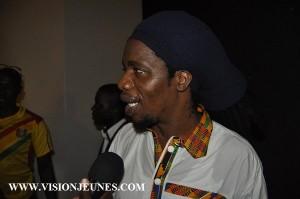 Marshal Zongo : « Les humoristes guinéens m'ont beaucoup séduit au MASA » L'autre innovation de la 9ème édition du Marché des Arts du Spectacle Africain (MASA) est l'instauration de l'humour dans la programmation. Le vendredi 11 mars, tous les humoristes avec pour capitaine Zongo, se sont retrouvés dans la salle du 1500 pour égayer leur public. Après le spectacle, le Marshal Zongo ne s'est pas privé de jeter des fleurs aux humoristes guinéens.