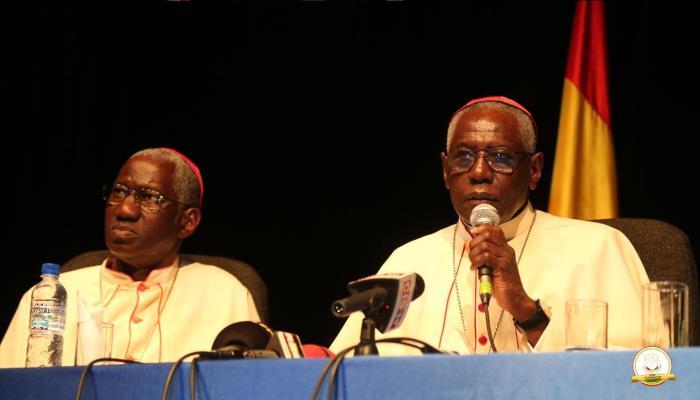 Littérature: Le Cardinal Robert Sarah présente son livre ''La force du silence''.