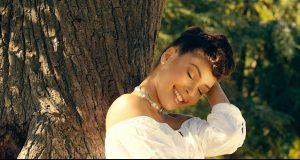Jupiter Davibe : Le revers des loves story dépeint dans le clip ''Près de toi''