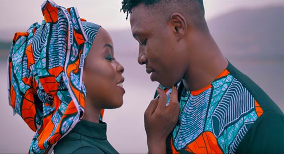 "Brand New : Manamba invite son acolyte Soul Bang's dans ""Loubé"""